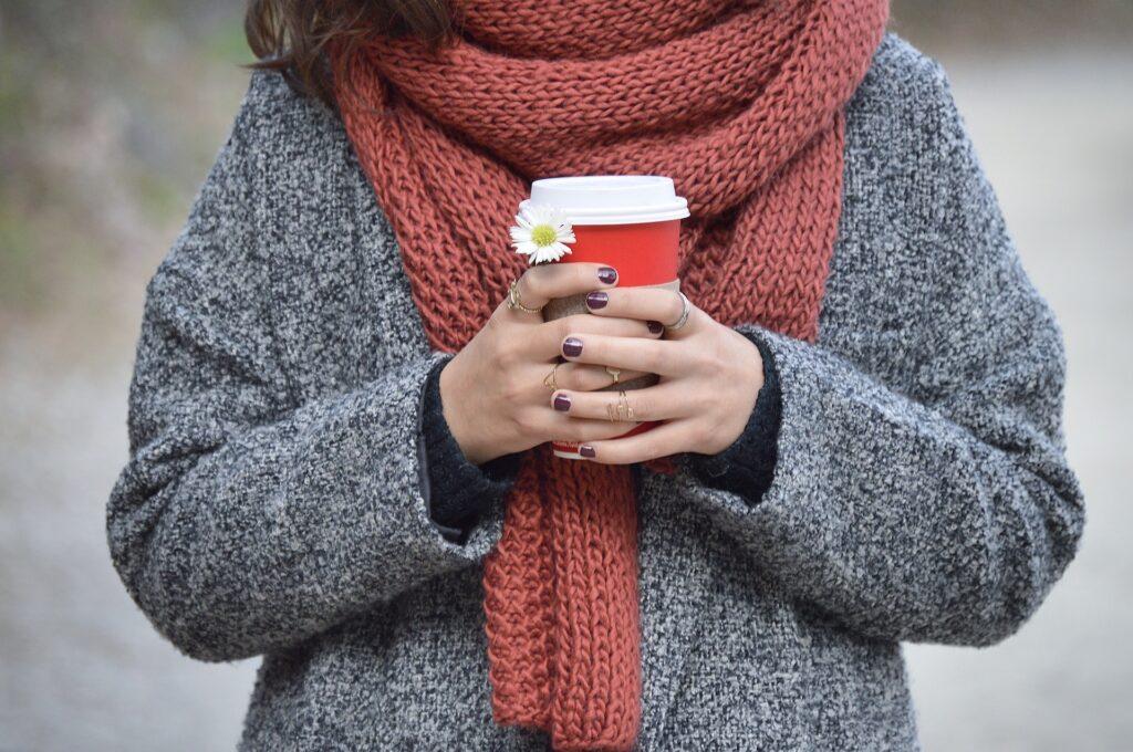 「冷えは万病の元」女性に多い冷え性の改善